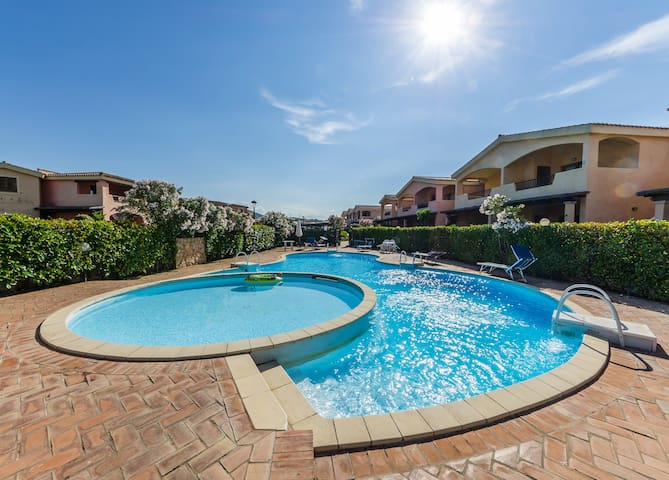 Apartament close to the beach - Murta Maria