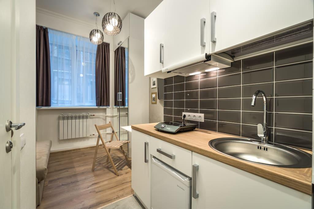 индивидуальная мини-кухня в апартаменте