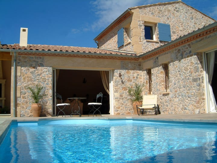 Cut stone villa with private pool and fab views!