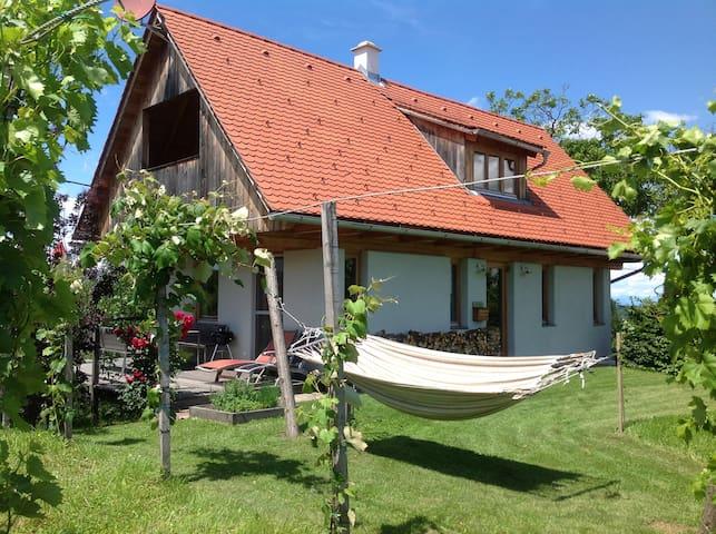 PURESLeben Winzerhaus Tunauberg - Oberhaag - House