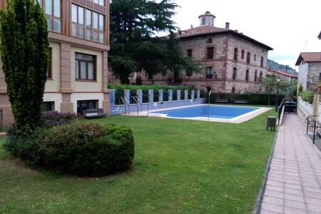 Piso con piscina en Ezcaray - Ezcaray