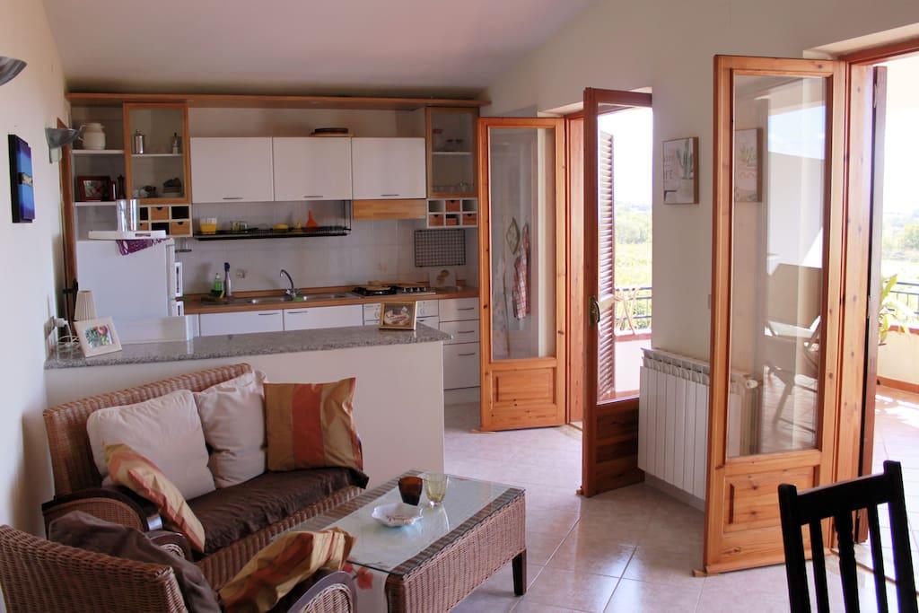 Wohnung 1 / Wohnraum & Küche
