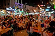 Night life of Khaosan Road Your party likes 10 minutes walk from R5