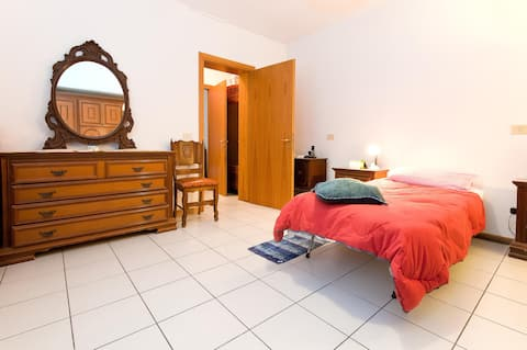 Your room in Reggio Emilia. (RE000455)