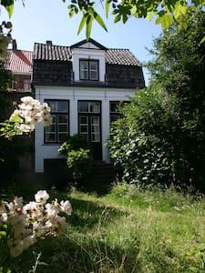 De Sterre,18th century gardenhouse