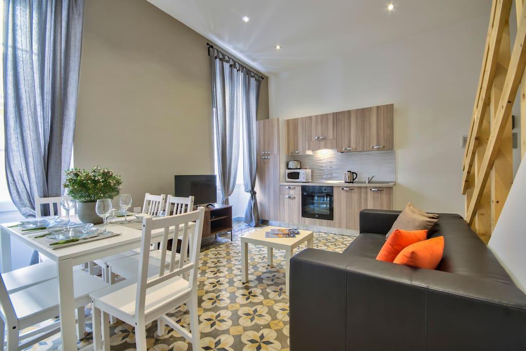 borgo san pawl apartments 2 bedroom duplex appartements louer la valette malte. Black Bedroom Furniture Sets. Home Design Ideas