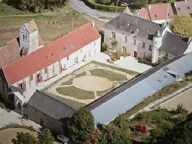 Dependance d'un manoir  - Tourly - Hus