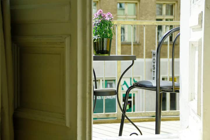Acogedor estudio con balcón en Mitte.