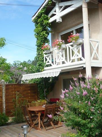 Villa Le Mauret  Agréable T2  Andernos les Bains