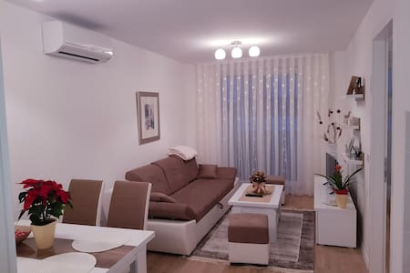 Apartman Lucija *PRIVATE PARKING*
