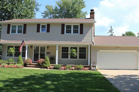 RNC Ready--Best Value-- Private House - Avon Lake