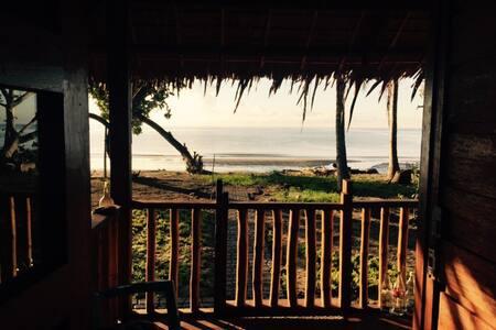 Kingki Beach Earth House - Roxas