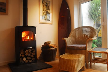 Stylish cottage in Porthleven near the harbour. - Porthleven
