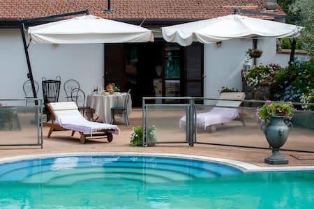 Casaletto con giardino e piscina - Řím - Dům