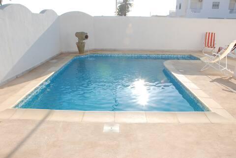 Linda vila com piscina em DJERBA