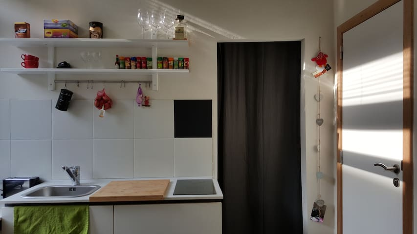 Studio in student house next to Park Spoor Noord