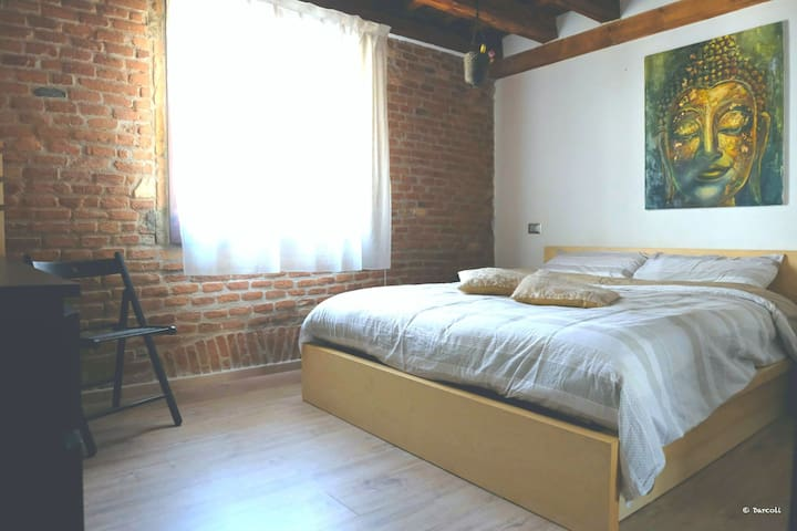 Letto Matrimoniale A Vicenza.Airbnb Vicenza Holiday Rentals Places To Stay Veneto Italy