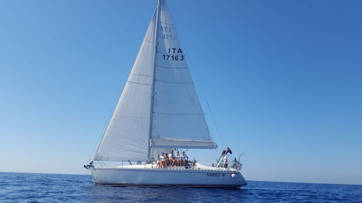 Vivi la Costiera Amalfitana in barca a vela!