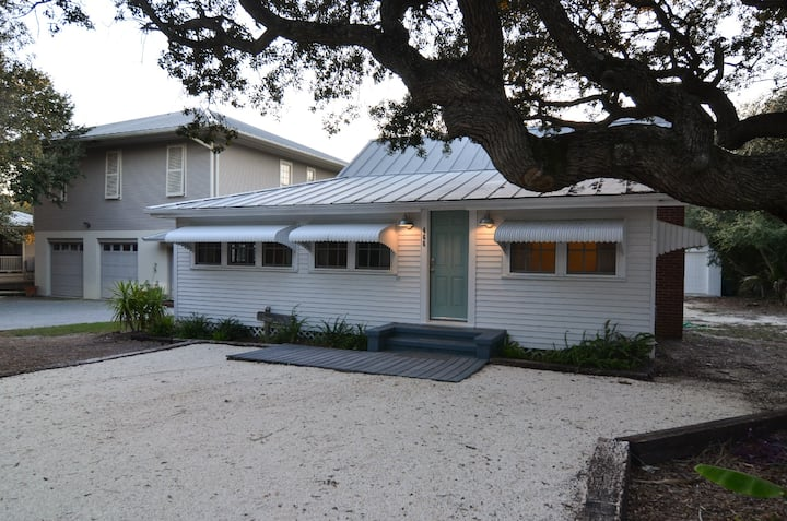 Easy Walk to All That's Great in Grayton Beach