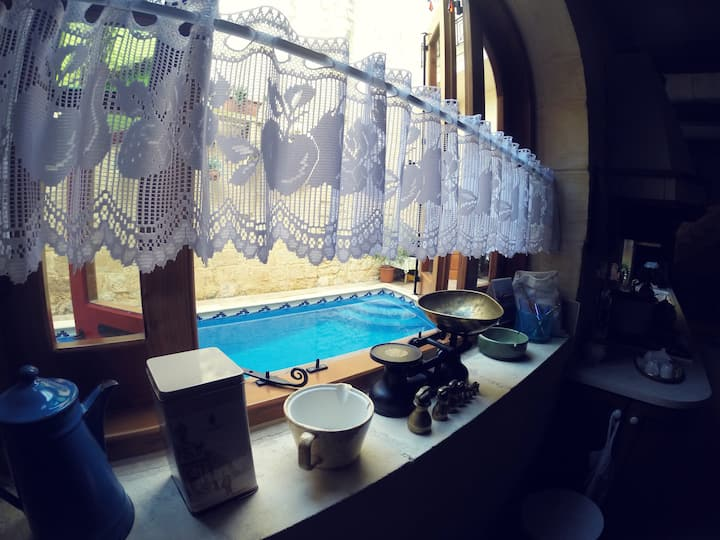 Huge Qormi House Of Character with Private Pool