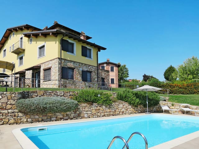 Airbnb Cigognola Vacation Rentals Places To Stay