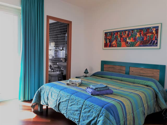 Cosy Room in Olbia City Center with Parking