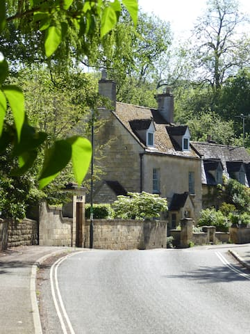 Cottage on the Cotswold Way