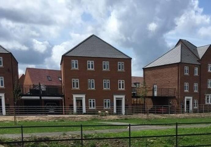 Large Double Room near Durham University