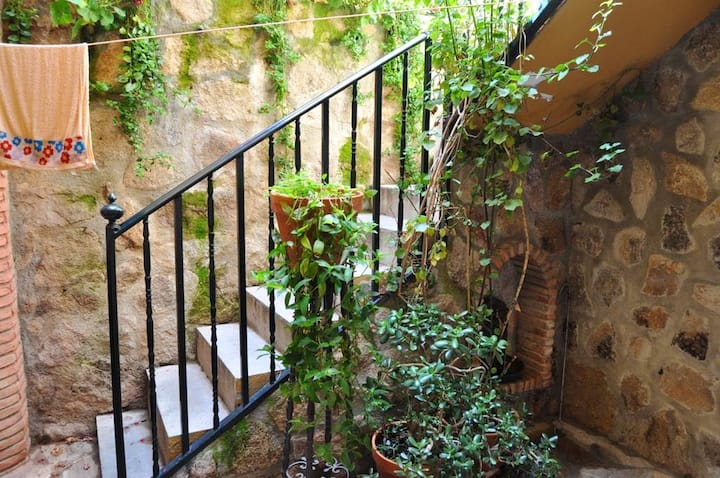 Apartment with 2 bedrooms in Torrejón el Rubio, with wonderful mountain view and WiFi
