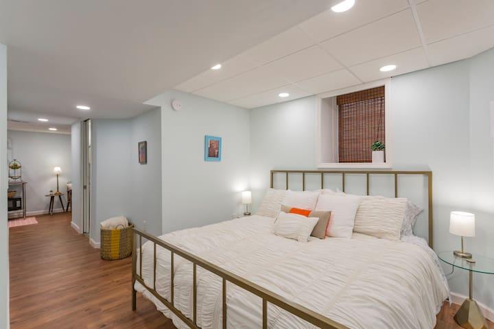 King Bed • Modern Basement Suite • East Nashville