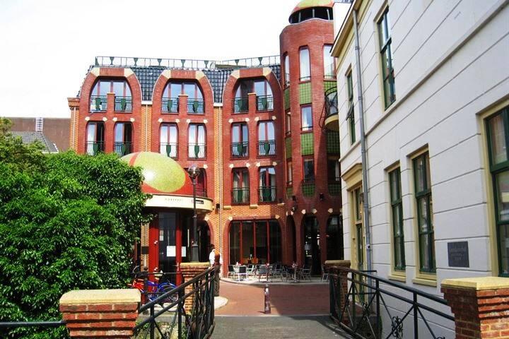 Private room in very nice Gaudi-like building.