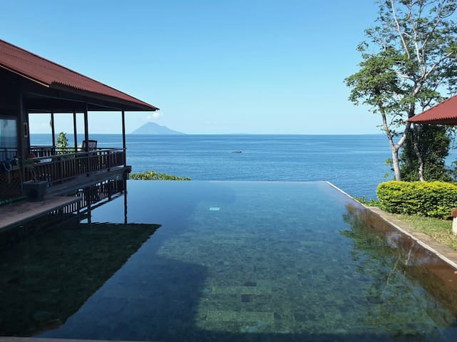 Villa on the beach, Manado, Bunaken - Tanawangko - Vila