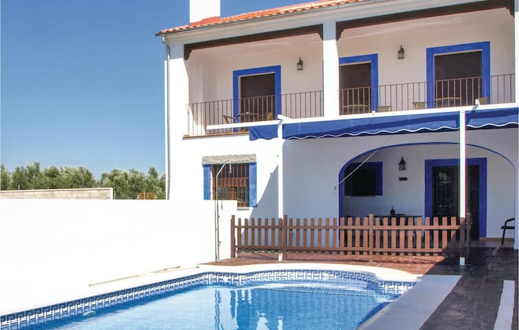 Holiday cottage with 6 bedrooms on 165 m² in Azuel, Córdoba