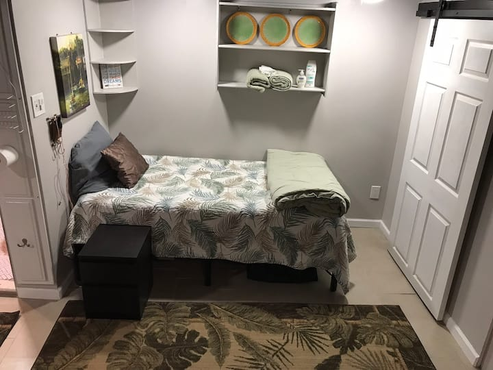Tropical room 230a1