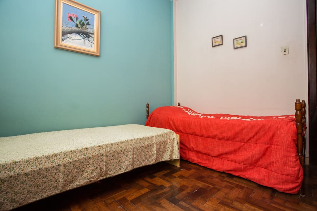 BEDROOM IN THE MIDDLE OF CURITIBA