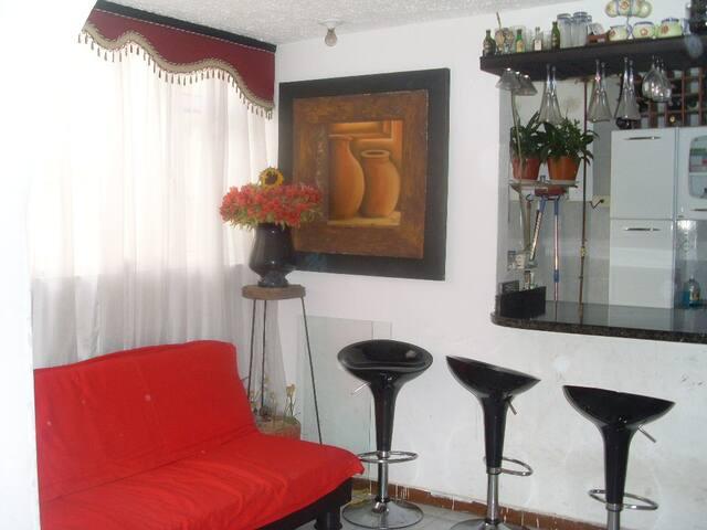 travelers, exchange or temporary   - Bogota - Szoba reggelivel