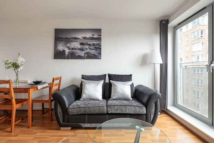 Luxury Apartment with Amazing Views, Gym & Parking
