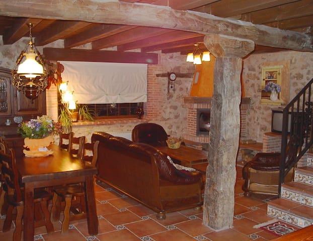 Casa Rural 8-10 pax - Mata de Quintanar - Huis