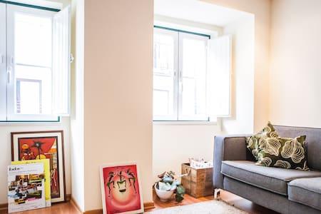 Cozy Apartment in Historic Mouraria