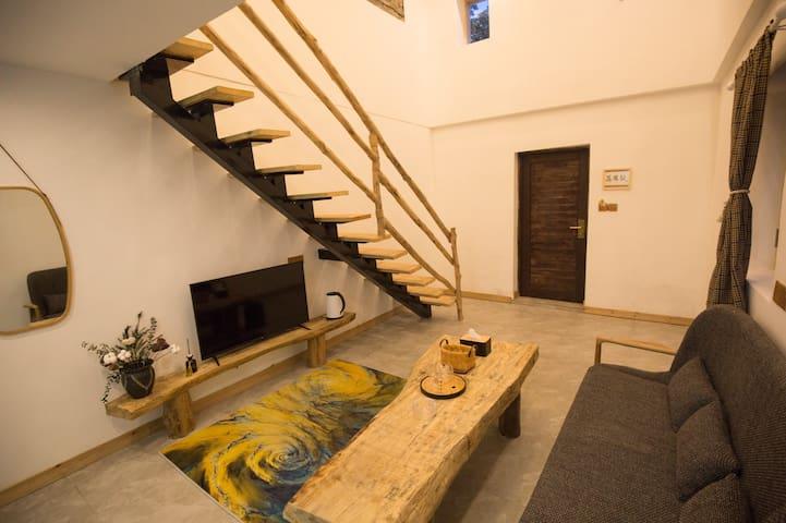 特色珊瑚石复式家庭套房