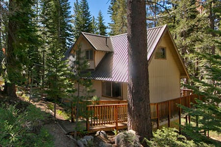 3B+Loft Cabin - Forest/Creek views! - South Lake Tahoe - Casa
