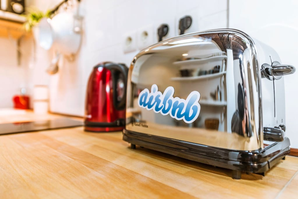 Toaster, Electric Kettle, Nespresso coffee machine.