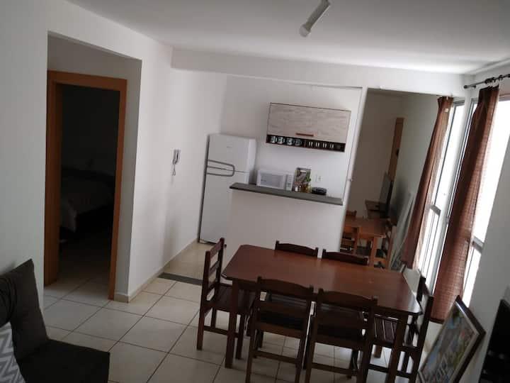 Apartamento super funcional confortável (2° andar)