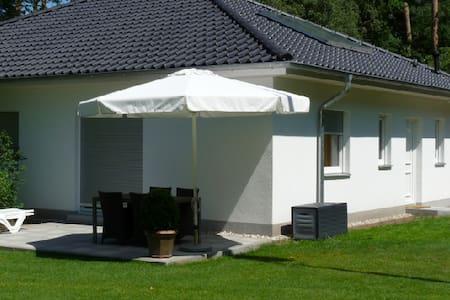 """5 Sterne Ferienwohnung """"Stechlin"""" - Schönwalde-Glien - Pis"""