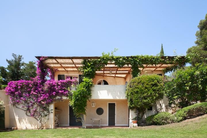 """Exclusive Villa """"La Dolce Vita"""" di Capo d'Arco"""