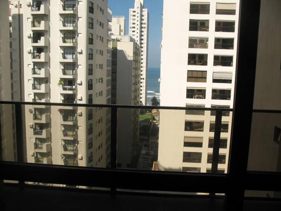 A vista da sacada / The view from the balcony