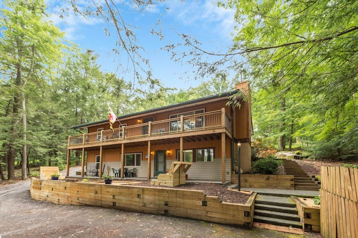 DOGS WELCOME! Lake Area Home with Hot Tub, & Fire Pit!