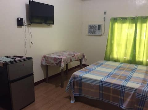 Harolds Apartments Rm 4