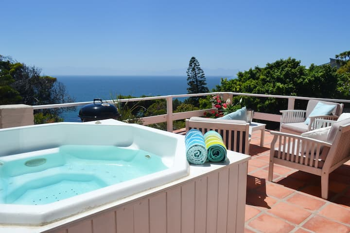 Spectacular location and sea views
