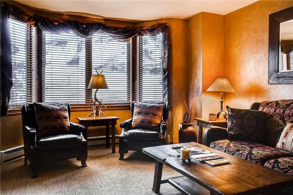 Couch,Furniture,Indoors,Room,Spa